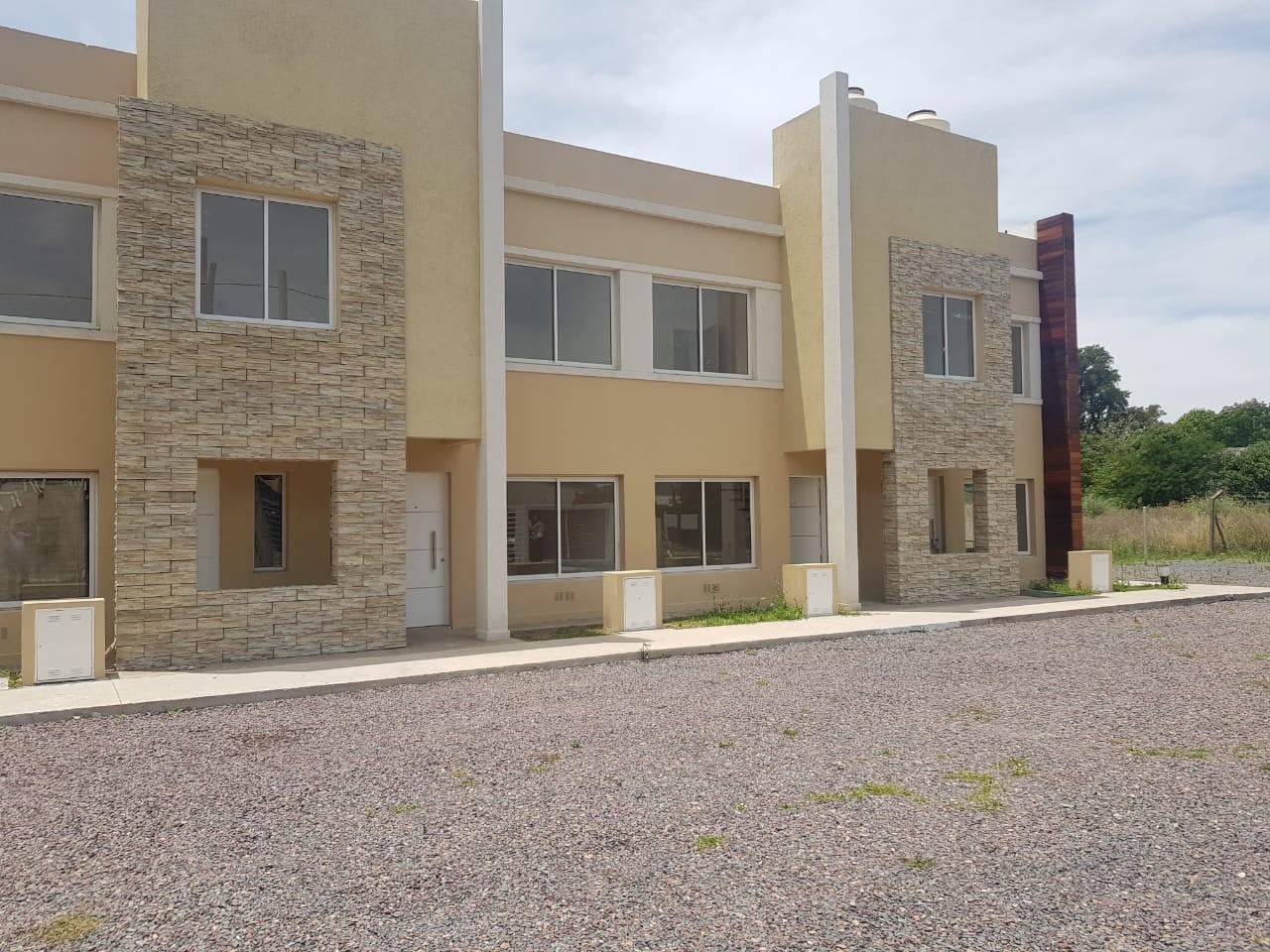 Duplex en Venta -tres dormitorios  con renta