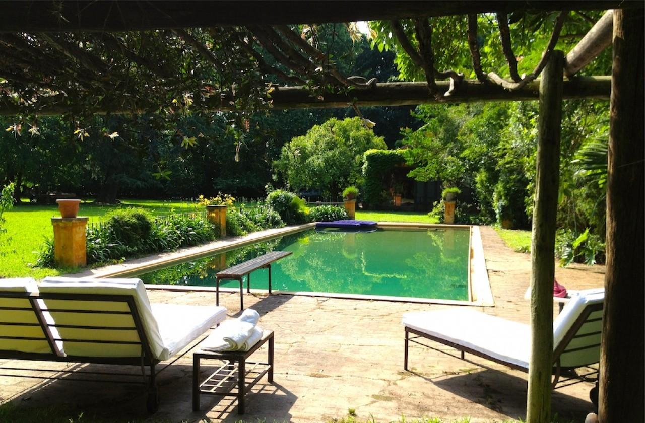 ### Casa Quinta sobre fraccion en Venta 9.340 m². Frente Club Los Cedros / Malvinas Argentinas ###