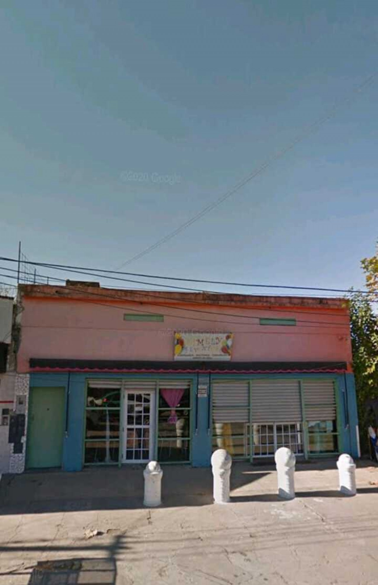 LOCAL COMERCIAL, SALON / DEPOSITO/ EJERCITO DE LOS ANDES 2200.PABLO NOGUES /300 M2 CUBIERTOS.