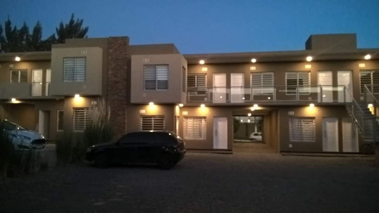 Alquiler Departamento planta baja con cochera ( Muniz)