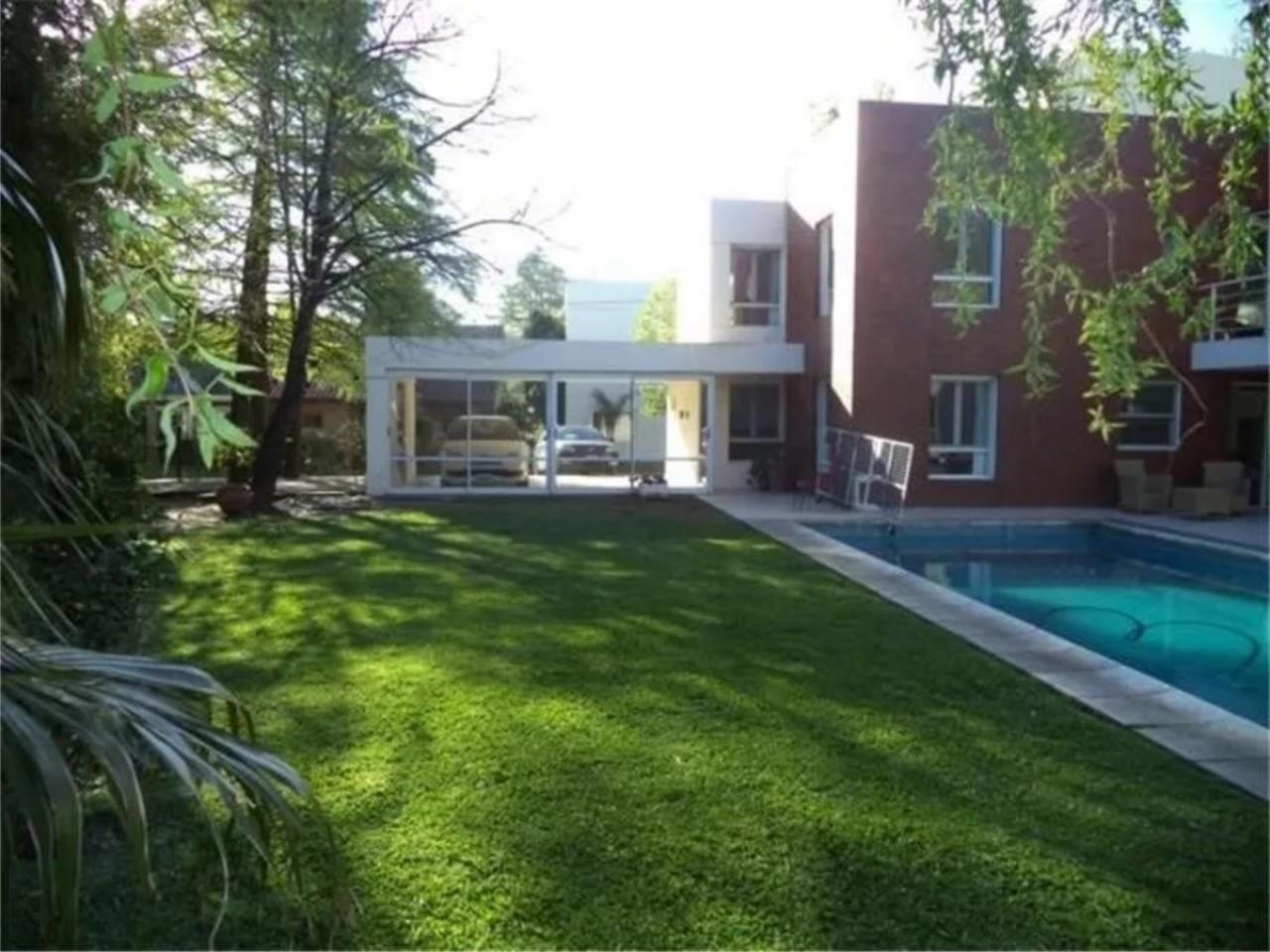 Casa en Venta - Barrio San Miguel de Ghiso (Bella Vista)