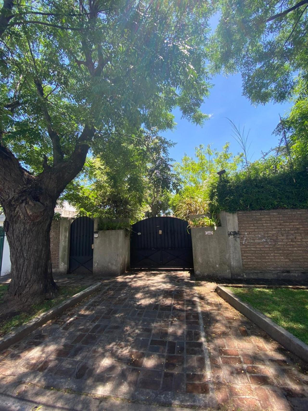 Excelente Casa a la venta  de 5 Ambientes en Muñiz